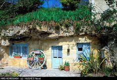 France, Indre et Loire, Azay le Rideau, chemin des Caves, Mr Sarrazin's Troglodytic Cottage