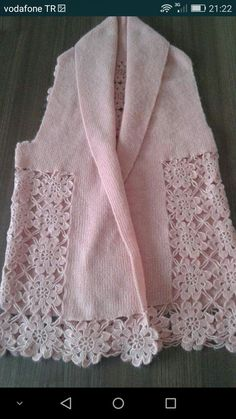 Gradient Baby Vest Making - Örgü El İşleri Gilet Crochet, Crochet Jumper, Crochet Lace, Knitting Patterns Free, Free Knitting, Crochet Patterns, Crochet Girls, Crochet Woman, Vest Pattern