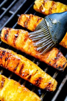 the BEST Caramelized Grilled Pineapple glazed with the moist irresistible buttery, sweet, tangy Brown Sugar Orange Glaze! You will never want to eat pineapple any other way again! Serve it as an easy appetizer, side or even dessert all summer long! Grilled Fruit, Grilled Vegetables, Grilled Desserts, Pineapple Recipes, Fruit Recipes, Grilled Pineapple Recipe Brown Sugar, How To Grill Pineapple, Bbq Pineapple, Pineapple Glaze
