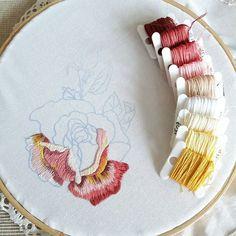 #home #homedecor #napkin #rose #design #cotton ##needlepainting #handembroidery #bordado #broderie #ricamo #haftręczny #вышивка #art #embellishment #highfashion
