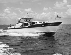 Chris Craft Constellation 36ft 1961 :: The Mariners Museum Image Collection