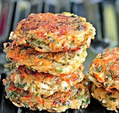 Homemade hashbrowns with veggies Carrot Recipes, Vegetable Recipes, Vegetarian Recipes, Cooking Recipes, Healthy Recipes, Cooking Pork, Rhubarb Recipes, Good Food, Yummy Food