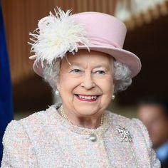 Queen Elizabeth's Favorite Drugstore Nail Polish Just Got an Upgrade David Armstrong Jones, Prinz Philip, Prinz William, Windsor, Meghan Markle, Best Romantic Comedies, Die Queen, Chelsea, Prinz Harry