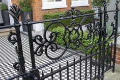Garden gates provide an elegant entrance to period properties, we offer gates with a variety of designs to suit your style.