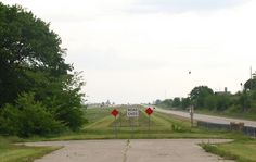 """"""" Road Ends """" in Odell Illinois  http://route66jp.info Route 66 blog ; http://2441.blog54.fc2.com https://www.facebook.com/groups/529713950495809/"""