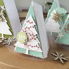 Neue Tannenbaumstanzen von Stampin'Up! 3d Christmas, Christmas Paper Crafts, Stampin Up Christmas, Christmas Wrapping, All Things Christmas, Xmas Cards, Holiday Cards, Stampin Up Weihnachten, Rena