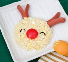 Cute Food For Kids?: Easy Christmas Lunch Idea- Rice Reindeer (orzo pasta with butter & romano cheese) Cute Food, Good Food, Yummy Food, No Cook Meals, Kids Meals, Food Art For Kids, Christmas Lunch, Xmas Food, Food Crafts