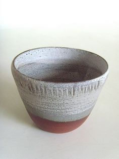 cup with incised lines  // pottery / ceramics //