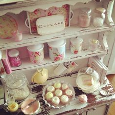 Shabby chic + cupcakes = love by It's a miniature life...is playing with clay, via Flickr