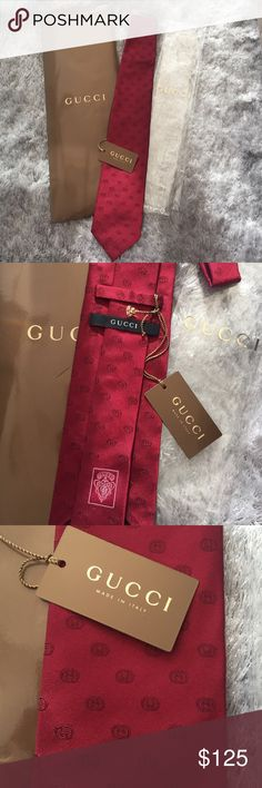 """NWT Gucci 100% silk logo tie - with gift packaging Chic Gucci """"Jaylen"""" interlocking GG pattern woven tie. 100% silk, made in Italy. Brand new with tags, clear Gucci tie bag, and Gucci tie gift pouch, as shown in picture. Perfect condition. Makes a great gift! Gucci Accessories Ties"""