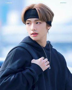 Jimin Jungkook, Taehyung, Man Bun, Drama Queens, Jolie Photo, Airport Style, Airport Fashion, Lee Know, South Korean Boy Band