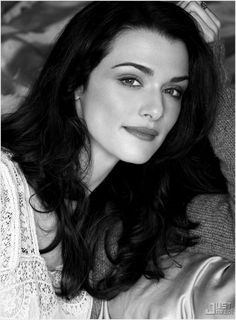 Rachel Weisz is probably the most beautiful woman ever. I have such a massive girl crush. Westminster, Rachel Weisz, Beautiful People, Most Beautiful, Beautiful Women, Beautiful Smile, Rich Hair Color, Winter Typ, Actrices Sexy