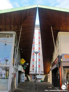 Malakoff - Centre commercial Henri Barbusse  Ingenieurs: René Sarger, Jean-Pierre Batellier  Architecte: Charles Sebillotte  Construction: 1...