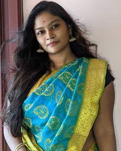 Beautiful Girl Indian, Beautiful Indian Actress, Simply Beautiful, Beautiful Women, Indian Natural Beauty, Indian Beauty Saree, Actress Aishwarya Rai, Indian Girls Images, India Beauty