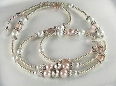 Beautiful pearls for an eyeglass holder, wold like to make one like it Wire Jewelry, Beaded Jewelry, Jewelery, Handmade Jewelry, Beaded Necklace, Beaded Bracelets, Jewelry Necklaces, Glass Bead Necklaces, Eyeglass Holder