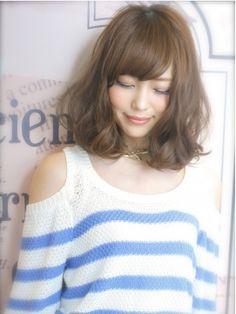 Visee line ear fray wave simple styling Natural Bob Medium Short Hair, Medium Hair Styles, Short Hair Styles, Middle Hair, How To Curl Short Hair, Hair Arrange, Japanese Hairstyle, Mid Length Hair, Asian Hair