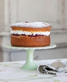 Cupcake Cakes, Cupcakes, Sweets Recipes, Desserts, Sweet Corner, Torte Cake, Victoria Sponge, Sponge Cake, Amazing Cakes