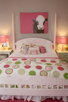 Pink and Green TWEEN Room LOVE the painting over the bed.