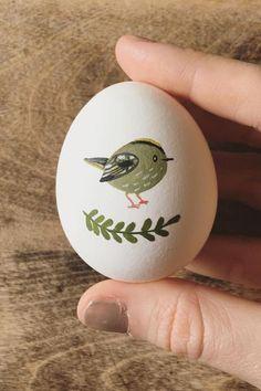 6 Illustrators Who Put an Egg-scellent Twist on Traditional Egg Art Illustrated egg art Rock Crafts, Arts And Crafts, Diy Crafts, Easter Egg Crafts, Easter Eggs, Easter Egg Designs, Diy Ostern, Easter 2020, Egg Art