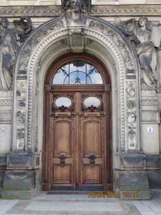 Imposante deur in Dresden