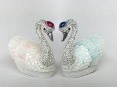 Good luck Christmas gifts for women for sale at Explosion Luck include feng shui crickets, feng shui jewelry boxes, moving sand art pictures, Chinese porcelain miniature vases, lucky jewelry pendants. Feng Shui Paintings, Feng Shui Art, Buddha Jewelry, Tibetan Jewelry, Feng Shui Jewellery, Buddha Art, Buddha Painting, Good Luck Necklace, Unique Mothers Day Gifts