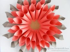 Learn how to turn paper into beautiful DIY flowers with 20 paper flower templates and tutorials. Paper flowers make beautiful gifts, centerpieces, and more. Paper Dahlia, Paper Flowers Diy, Summer Crafts, Fall Crafts, Cardboard Crafts, Paper Crafts, Doilies, Origami Wreath, Diy Foto