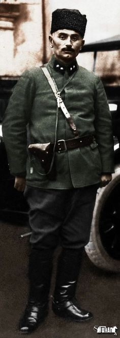 """#MustafaKemalPaşa'nın korunması yalnız size aittir!  Onun eceliyle ölmesine dahi izin vermeyeceksiniz..! ''  Muhafız Birliği Kumandanı  Yarbay  #Çepni #TopalOsman Ağa..#TOPALOSMAN .Uşaklar, ben bu yaradan ölmem. Ölsem de ne çıkar. Yeter ki,vatan selamete çıksın..."""" 02.04.1923 Topal Osman Ağa Panda, Hipster, People, Style, Fashion, Swag, Moda, Hipsters, Fashion Styles"""