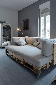 Mais um sofá feito com pallet. *-*