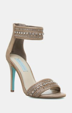 These heels are pretty. Love the turquoise on the bottom. www.b. 8a088a8cc072