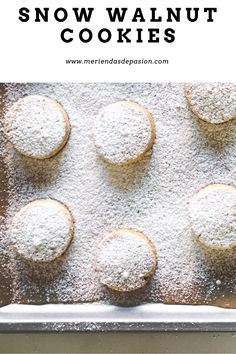 Snow walnut cookies recipe Walnut Cookie Recipes, Walnut Cookies, Cookies Receta, Snow, Homemade Biscuits, Cookie Cutters, Butter, Sheet Pan, Afternoon Snacks