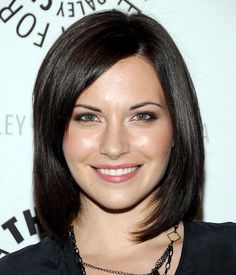 Nyy'xai Jill Flint Film actress Jill M Flint is an American television and film actress, best known for her role of Jill Casey in USA Network's series Royal Pains, and as the popular character Lana Delaney, a lesbian FBI Agent, on CBS' award-winning show The Good Wife. Wikipedia