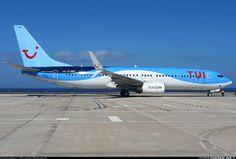 TUIfly Boeing 737-86J D-ABKI preparing for departure following pushback at Fuerteventura-El Mattoral, June 2016. (Photo: Rainer Spoddig)