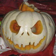Pumpkin sculpture on Halloween photos) Pirate Halloween, Holidays Halloween, Halloween Crafts, Halloween Decorations, Halloween Ideas, Haunted Halloween, Halloween 2014, Halloween Stuff, Happy Halloween