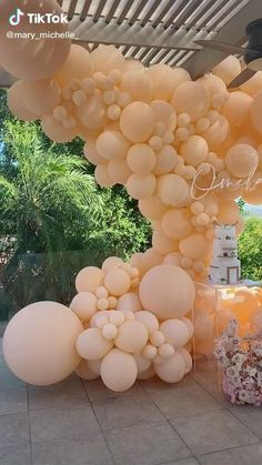 21st Birthday Decorations, Ballon Decorations, Diy Party Decorations, Balloon Clouds, Balloon Garland, Balloons, Gold Birthday Party, Spa Birthday Parties, Bridal Showers
