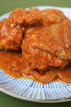 Ayam Masak Merah (Malaysian Red Cooked Chicken) Malaysian Curry, Malaysian Food, Malaysian Recipes, Cooked Chicken, How To Cook Chicken, Spicy Recipes, Curry Recipes, Dried Chillies, Eating Raw