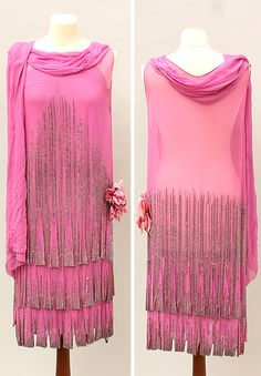 Dress, Art deco-style, 1920s. Pink silk with pearl embroidery. Round neck with long sewn shawl. Lauritz.com.