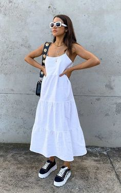 Cool Outfits, Summer Outfits, Fashion Outfits, Modest Dresses, Casual Dresses, Dress With Sneakers, Black Sneakers, Mode Inspiration, Summer Looks