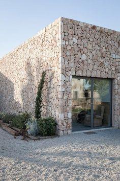 Study for an artist by Pau Munar #fachadasverdesarchitecture