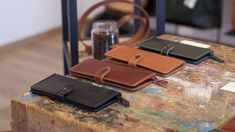 Double purchase for woman, handmade in leather Brown Leather Wallet, Original Gifts, Vegetable Tanned Leather, Leather Accessories, Gifts For Wife, Cowhide Leather, Italian Leather, Wallets For Women, Customized Gifts