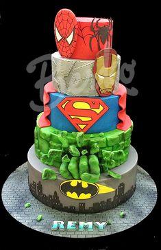 Comics heroic fantasy Berko™ (Paris) - Visit to grab an amazing super hero shirt now on sale! Avengers Birthday Cakes, Superhero Birthday Cake, 4th Birthday, Superhero Party, Birthday Ideas, Marvel Cake, Batman Cakes, Minion Torte, Bolo Fack