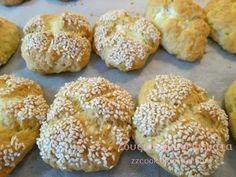 Τόσο τραγανά ...τόσο αφράτα...τόσο νόστιμα...πραγματικά δεν σταμάτησα στο ένα... έχασα το λογαριασμό στο μέτρημα...γράφω τη συνταγ... Greek Sweets, Greek Desserts, Greek Recipes, Greek Cake, Cooking Time, Cooking Recipes, Greek Pita, Breakfast Snacks, Appetisers