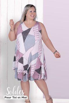 Robe 100 % coton rose pâle, disponible du 42 au 56 . Parfaitement adaptée à la mode grande taille. D'autres couleurs à découvrir en boutique Sunny Days, Cover Up, Boutique, Elegant, Dresses, Fashion, Budget, Pale Pink, Plus Size Clothing