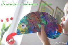 Kolorowy kameleon zabawka dla przedszkolaka do ćwiczeń oddechowych. Colorful chameleon toy for preschooler for breathing exercises.