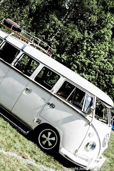 love these old VW vans