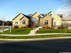 $409,000 4400 sq ft by 7 peaks... finished basement... LOVE LOVE LOVE!!!!! Provo Home For Sale