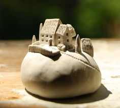 Ceramics by Christina Brown - can be done with PC, or maybe paper clay too Clay Houses, Ceramic Houses, Miniature Houses, Ceramic Clay, Ceramic Pottery, Pottery Houses, Sculptures Céramiques, Creta, Paperclay
