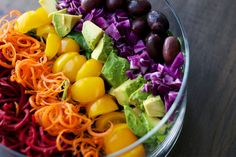 Is raw food diet healthy? What do raw fooders eat, what is raw food diet plan. Feel vibrant and healthy by eating a raw food diet for weight loss. Rainbow Salad, Rainbow Food, Eat The Rainbow, Raw Food Recipes, Cooking Recipes, Healthy Recipes, Lasagna Recipes, Jar Recipes, Healthy Meals