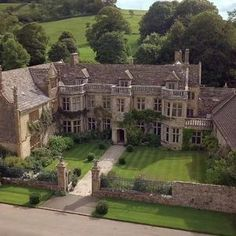 Beautiful Buildings, Beautiful Homes, Beautiful Places, English Manor Houses, English House, English Castles, Old Mansions, Castle House, English Countryside