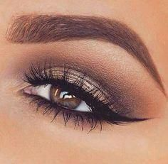 Every makeup junkie should know these incredible eyeliner tips! Eyeliner is such a major part of our Makeup Goals, Makeup Inspo, Makeup Tips, Makeup Ideas, Makeup Tutorials, Makeup Trends, Makeup Designs, Makeup Hacks, Bag Tutorials