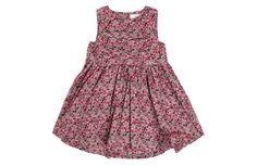 Liberty of London http://www.vogue.fr/mode/shopping/diaporama/shopping-enfants-filles-un-vent-de-liberte-mode-enfant-ete/18194/image/991069#!liberty-london-robe-en-coton-imprime-liberty-shopping-mode-enfant-ete